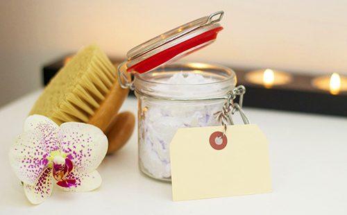 Приготовление крема для лица из домашних продуктов