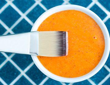 Mascarilla de zanahoria para acné y efecto bronceador.