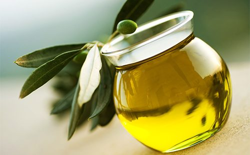Масло из оливок в банке